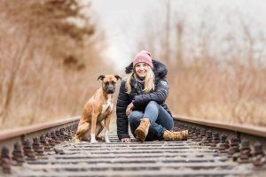 Staffordshire Terrier, Labador, Mischling, Rudelfotografie, Mensch-Hund-Fotografie - Hundefotografie und Tierfotografie in Potsdam und Berlin - Sophia Zoike Photography